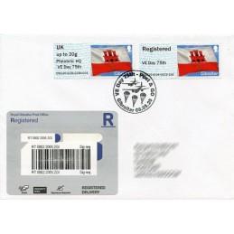 GIBRALTAR (2020). Bandera de Gibraltar - D5GI20 GI04 + GI05 - ' Philatelic HQ VE Day 75th '. Sobre primer día (Reino U.) CERTIF.